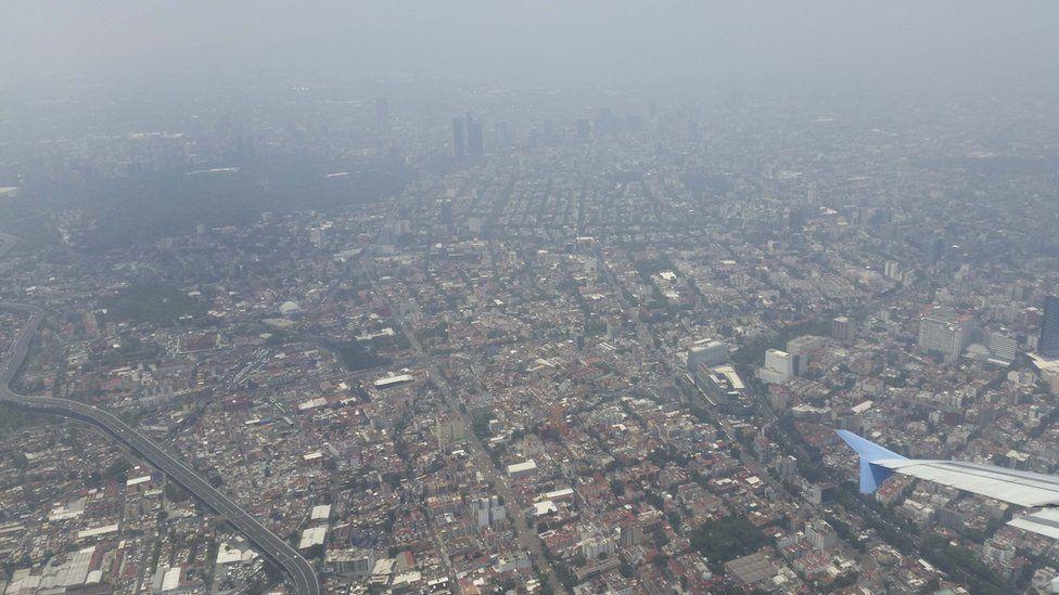 La prohibición del uso de automóviles no consigue frenar la contaminación atmosférica en Ciudad de México